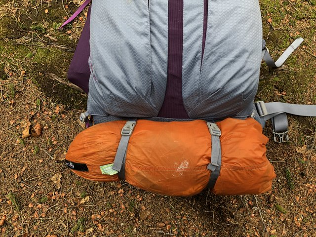 The sleeping pad/tent body straps keep your load higher, closer to your center of gravity